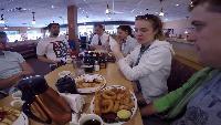 Alexander Kondrashov Все видео Русские в Америке #4 - американский завтрак ihop, едем на ультрамьюзик.